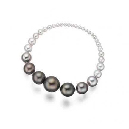 Tahitian and akoya pearl bracelet