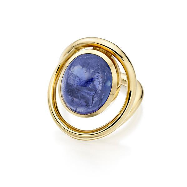 Wave ring Tanzanite set in 18 carat gold
