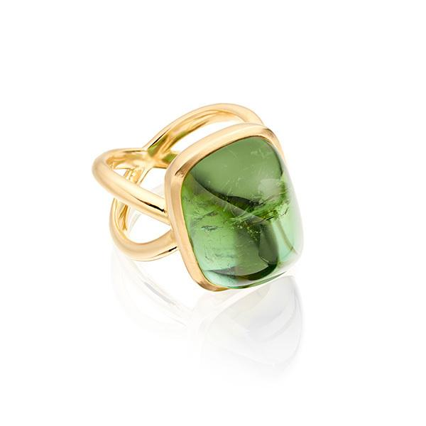 Green tourmaline antique cabochon in 18 carat gold